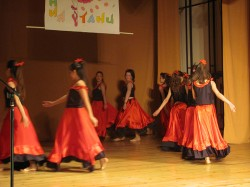 9 май празник на танцав НЧСветлина1941 (27)