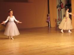 9 май празник на танцав НЧСветлина1941 (3)