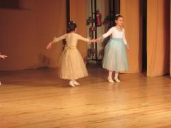 9 май празник на танцав НЧСветлина1941 (4)