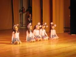 9 май празник на танцав НЧСветлина1941 (41)