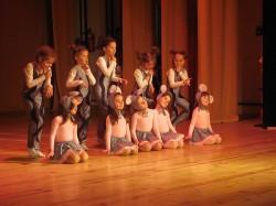 9 май празник на танцав НЧСветлина1941 (42)