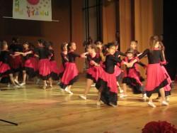 9 май празник на танцав НЧСветлина1941 (57)