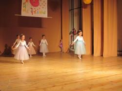 9 май празник на танцав НЧСветлина1941 (6)