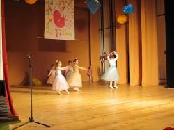 9 май празник на танцав НЧСветлина1941 (7)